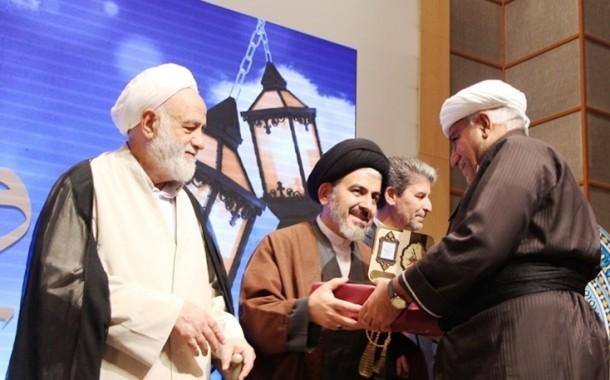 گزارش تصویری اجلاس استانی نماز با حضور قرائتی در ارومیه