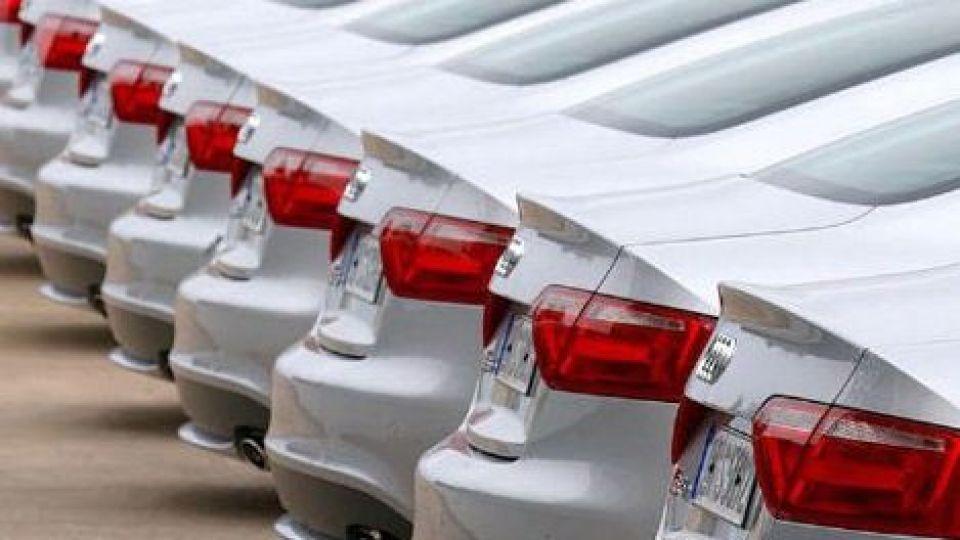 پیش بینی قیمت خودرو در ماه های آینده