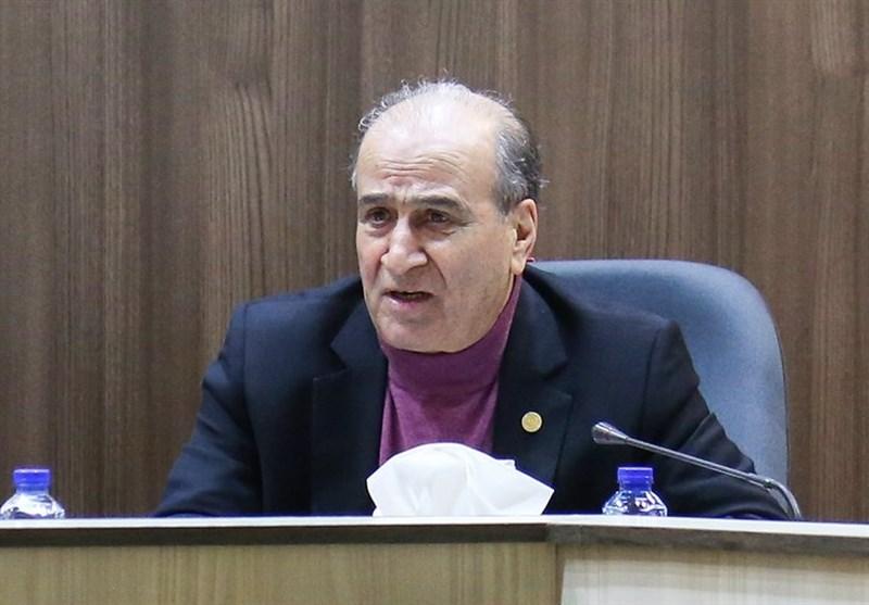 صادرکنندگان آذربایجان غربی به دلیل مشکلات ارزی و بلاتکلیفی بازار از هرگونه صادرات و واردات پرهیز می کنند