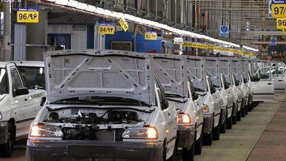 مشکل صنعت خودروسازی و رضایتمندی مردم/ خودروسازان خصوصی میشوند؟