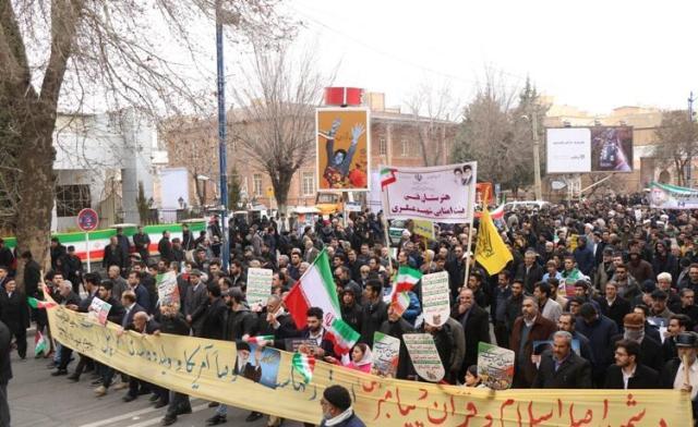 بهمن تماشایی ۹۷| حضور پرشور مردم ارومیه در راهپیمایی ۲۲ بهمن به روایت تصویر