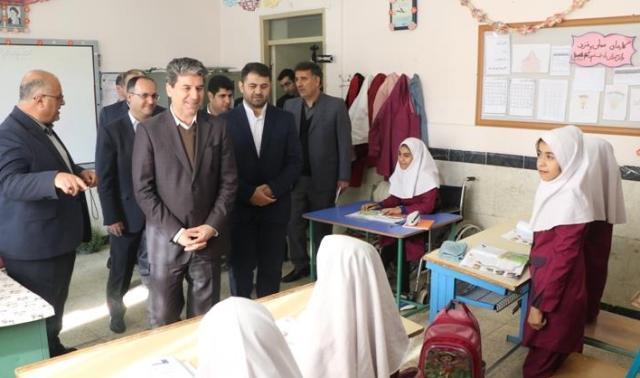 افتتاح همزمان ۴۸ طرح آموزشی و ورزشی در آذربایجان غربی /کمبود  ۶ هزار کلاس درس