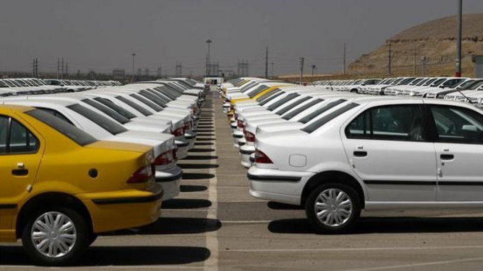 خودروسازان و افزایش قیمت خودرو؛ ملاک چیست؟/ دلالان مشغول کارند