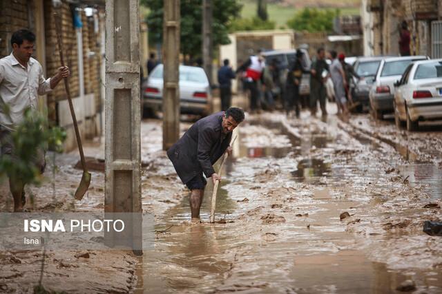 کمک ۲ میلیارد ریالی استانداری آذربایجان غربی و اتاق بازرگانی ارومیه به سیل زدگان اخیر کشور