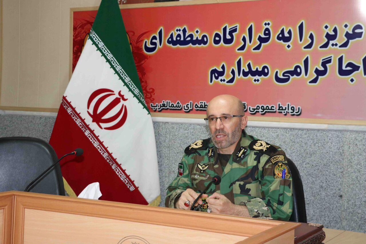 فرمانده قرارگاه منطقه ای شمالغرب : ارتش با تمام قوا از مرزهای کشور محافظت می کند
