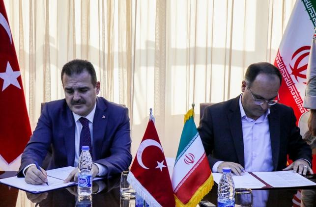 امضای تفاهمنامه همکاری ارومیه و حکاری ترکیه / ساخت دیوار مرزی ایران و ترکیه تاپایان ۲۰۱۹