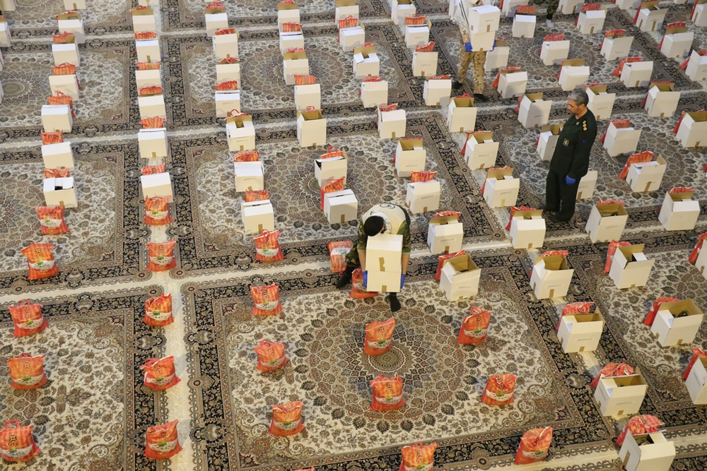 توزیع ۲۰۰ هزار بسته معیشتی در بین نیازمندان آذربایجان غربی + تصاویر