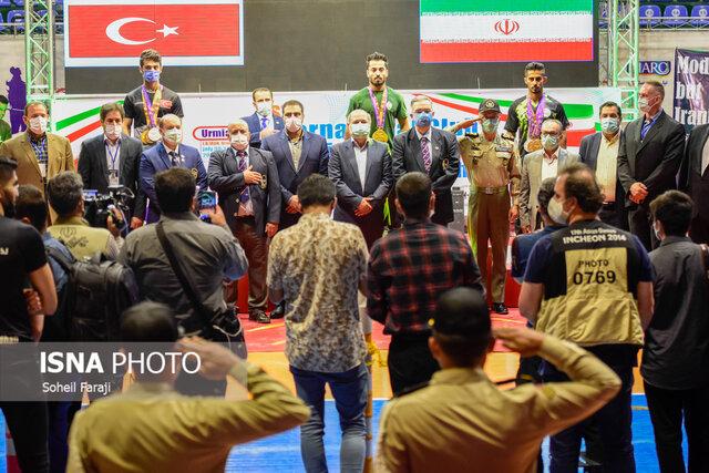 تیم ملی حفاری ایران قهرمان مسابقات پاورلیفتینگ جام باشگاههای جهان شد + عکس